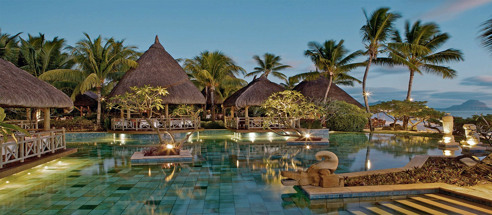 La-Pirogue-Resort-and-Spa-Luxury-Mauritius-Holiday-Packages-header1-1600x700.jpg